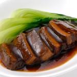 東坡肉(皮付豚肉の蒸し煮)
