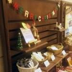 お土産コーナーのクリスマス飾り
